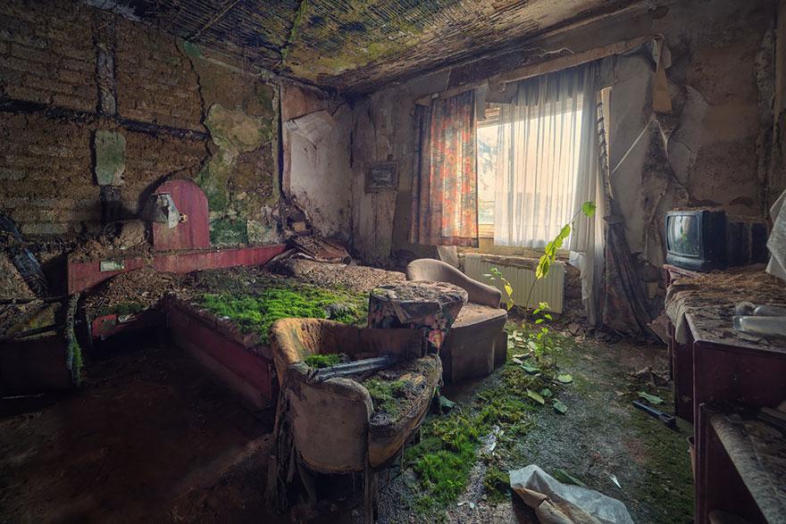 naturaleza-recupera-lugares-abandonados-26