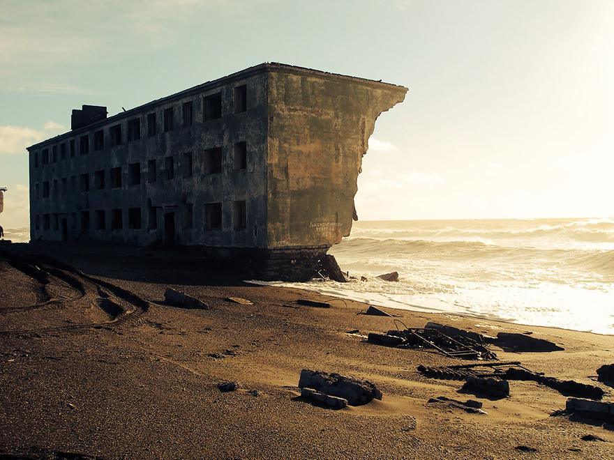 naturaleza-recupera-lugares-abandonados-30