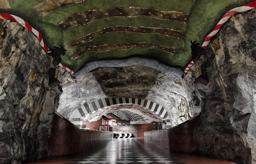 estaciones-metro-impresionantes-23