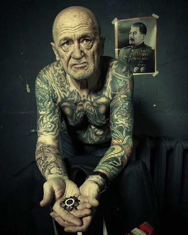 ancianos-tatuados (21)