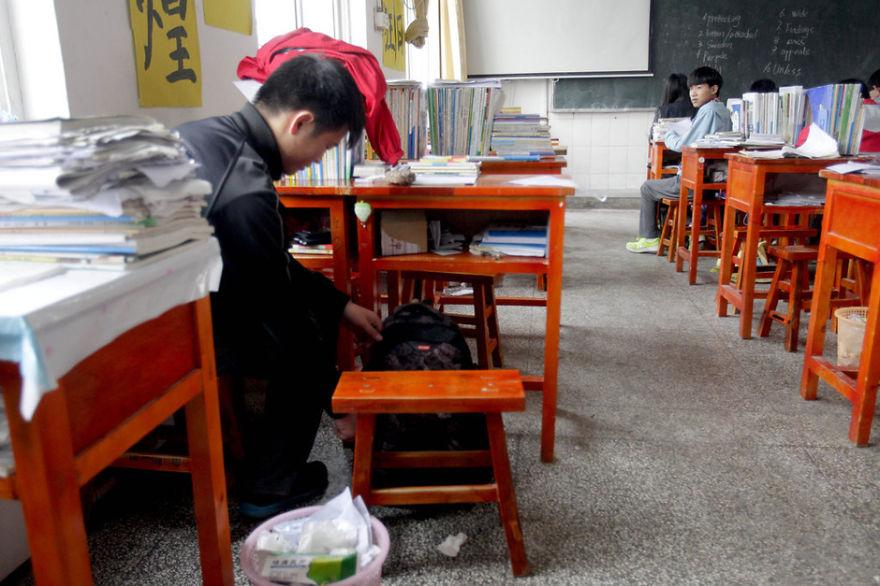 amigo-minusvalido-cargar-clase-xie-xu-zhang-chi (4)
