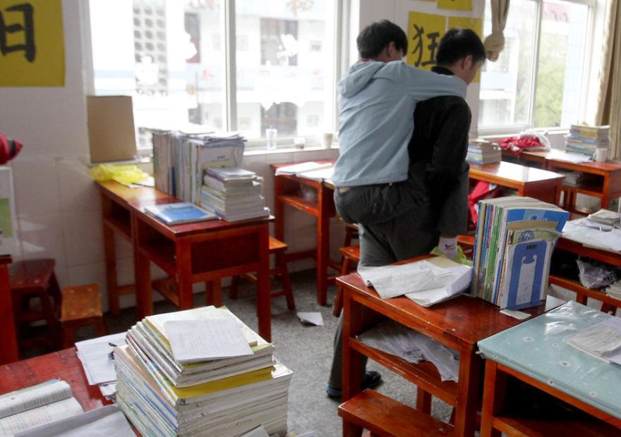 amigo-minusvalido-cargar-clase-xie-xu-zhang-chi (6)