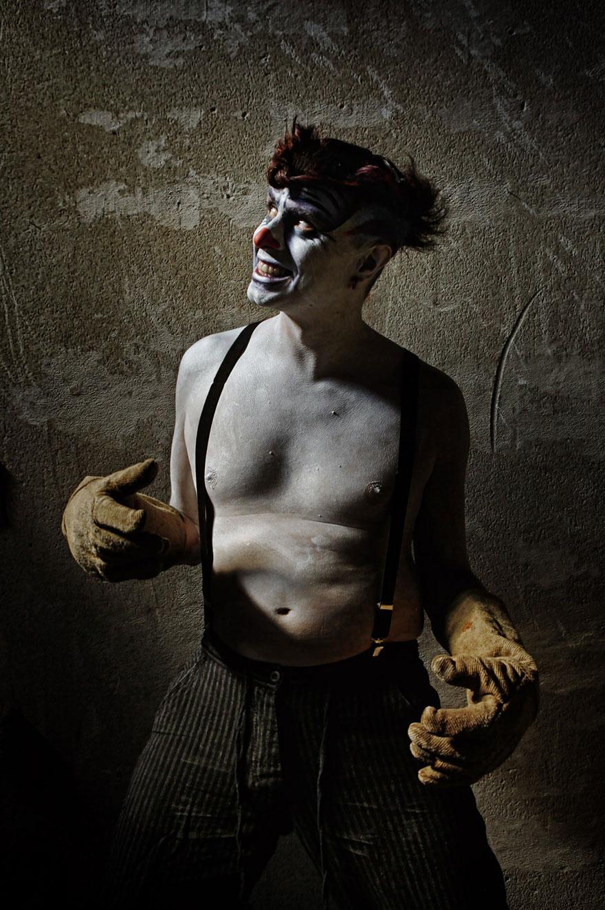 clownville-retratos-macabros-payasos-eolo-perfido (19)