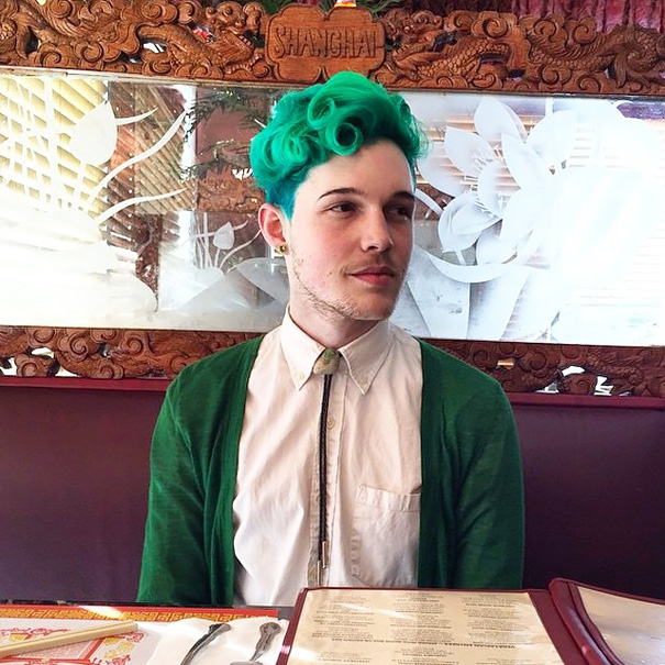 Cabello verde para hombre