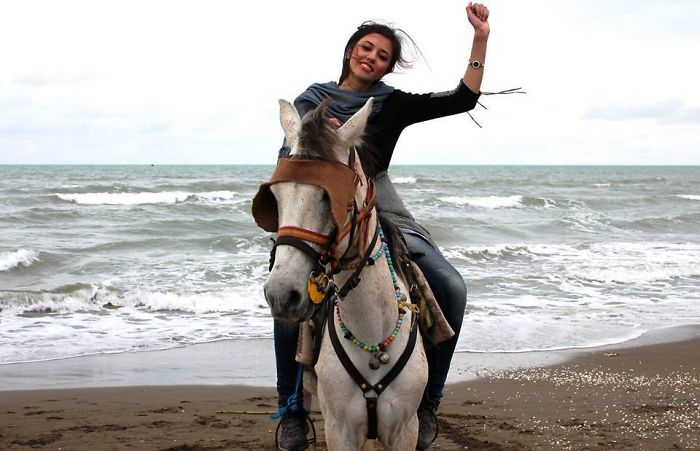 protesta-contra-velo-hijab-obligatorio-iran-masih-alinejad (9)