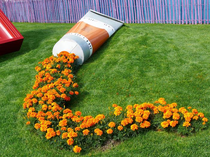 15 Macetas que han derramado sus flores convirtiéndolas en arroyos de pintura