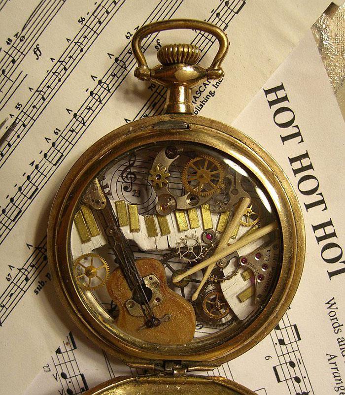 esculturas-steampunk-piezas-relojes-recicladas-susan-beatrice (11)