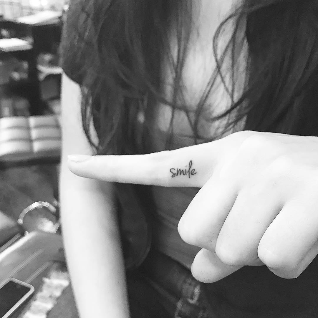tatuajes-minimalistas-jonboy-west4tattoo (3)