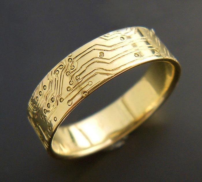 20 anillos de compromiso dentro de sus cajitas frikis que ninguna chica friki podría rechazar