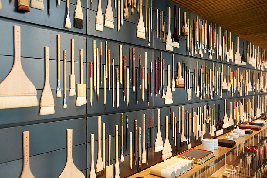 4200 pigmentos en esta tienda japonesa de artículos de pintura para apoyar las técnicas artísticas tradicionales