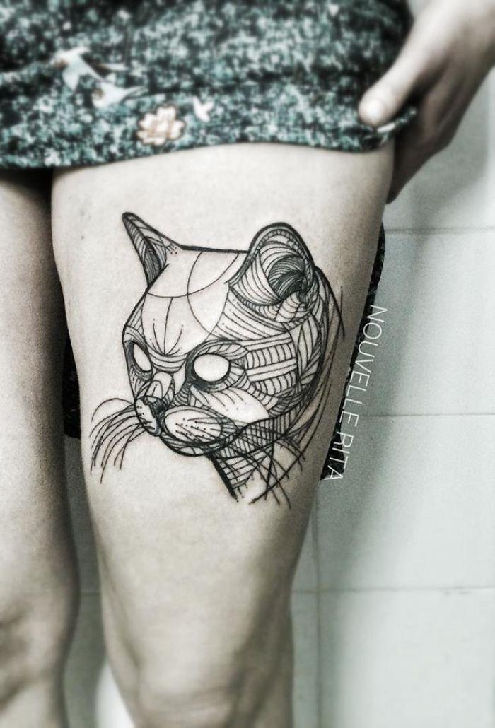 Empecé a hacer tatuajes lineales para evadirme y ya no puedo parar