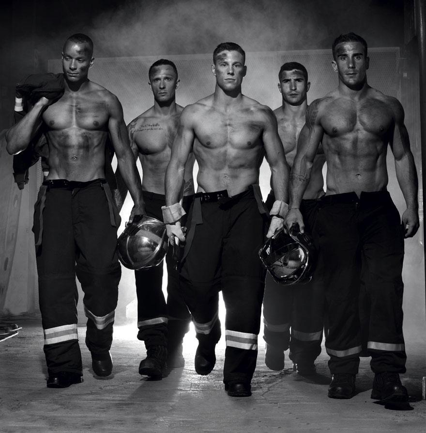 Estos bomberos franceses posan para el calendario benéfico más caliente de 2016