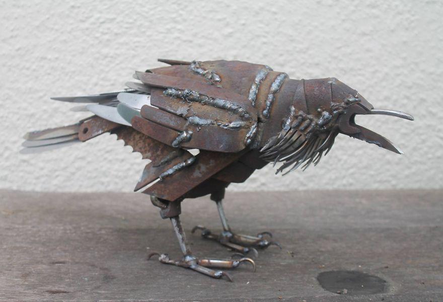 Transformo piezas de metal de desecho en animales
