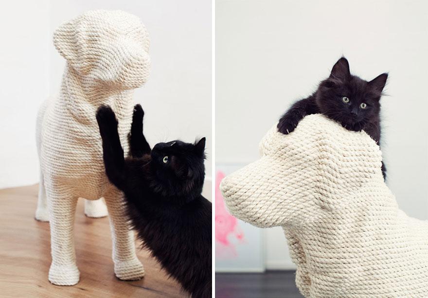 Este rascador en forma de perro proporciona a los gatos una dulce venganza
