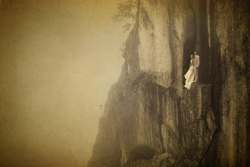 Este fotógrafo hace fotos de boda en un risco a más de 100 metros de altura