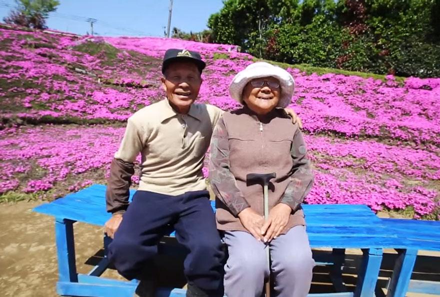 marido-planta-flores-esposa-ciega-kuroki-japon (2)