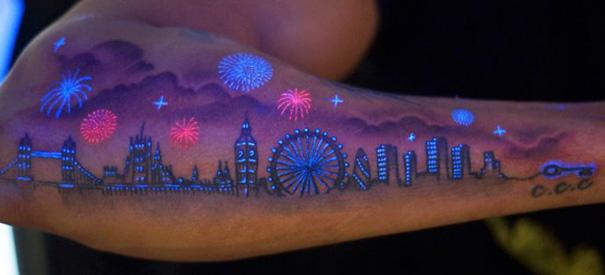 tatuajes-ultravioletas-oscuridad-luz-negra (1)
