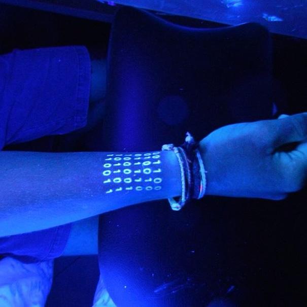 tatuajes-ultravioletas-oscuridad-luz-negra (17)
