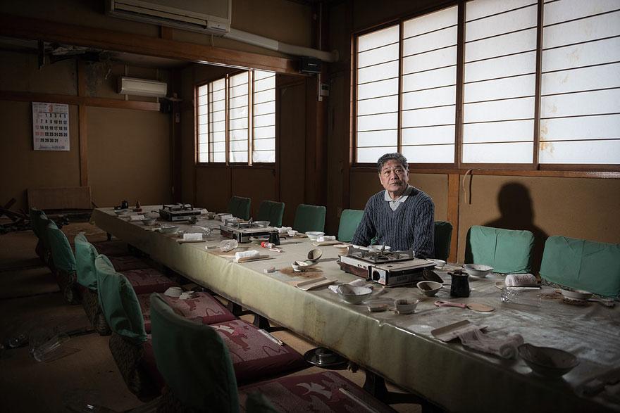 fotos-antiguos-habitantes-ciudad-fantasma-fukushima (6)
