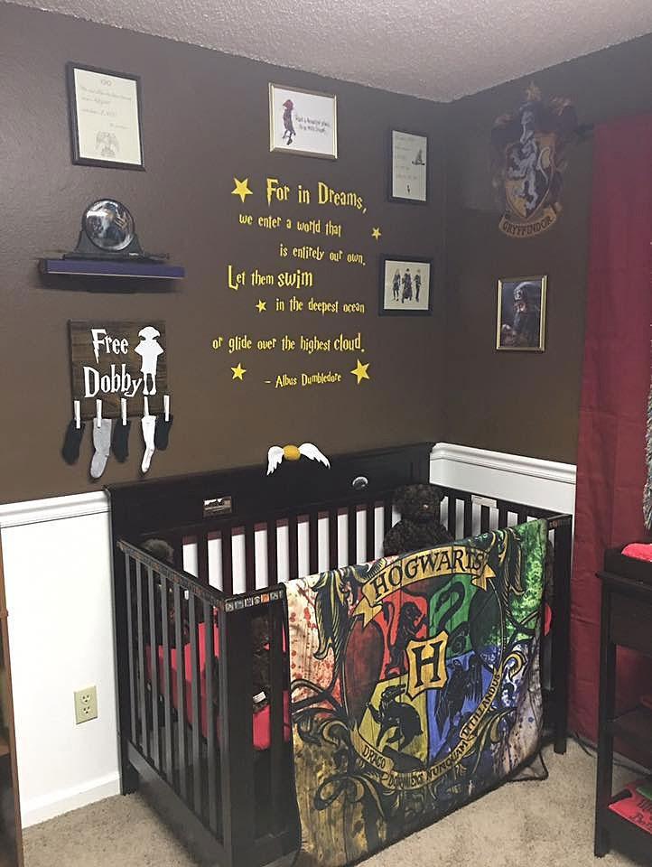 estos padres crearon una habitaci n de harry potter para su peque o mago reci n nacido bored panda. Black Bedroom Furniture Sets. Home Design Ideas