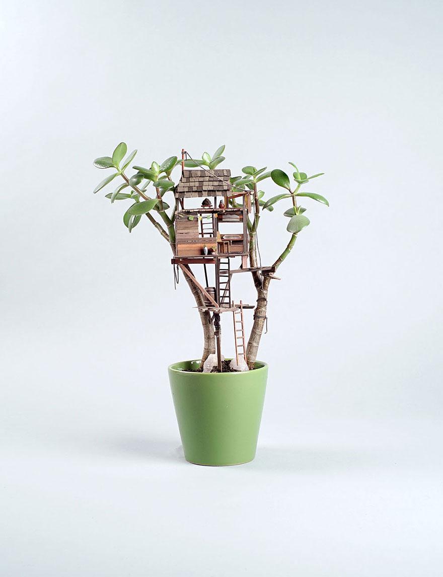 Las casitas diminutas en las plantas son perfectas para las hadas