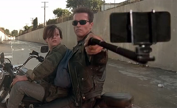 armas-reemplazadas-palos-selfie-peliculas (15)
