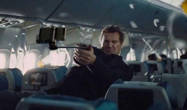 armas-reemplazadas-palos-selfie-peliculas (4)