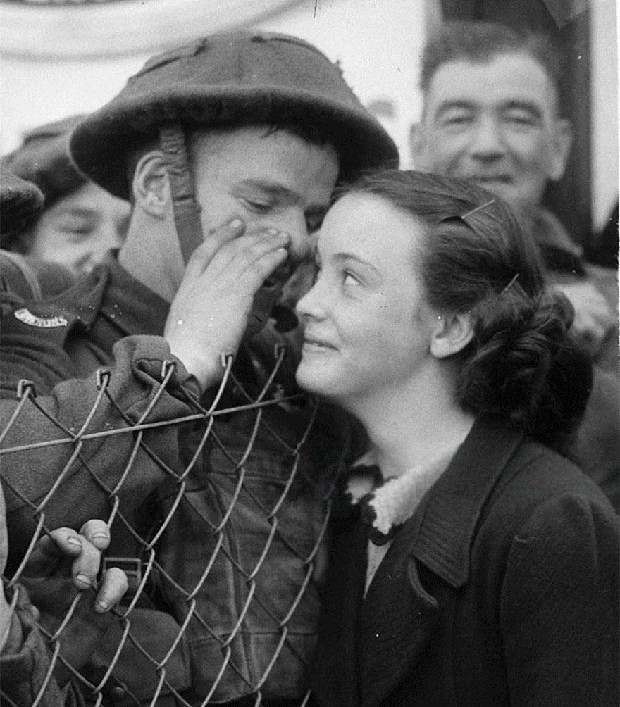 fotos-antiguas-parejas-tiempos-guerra (17)
