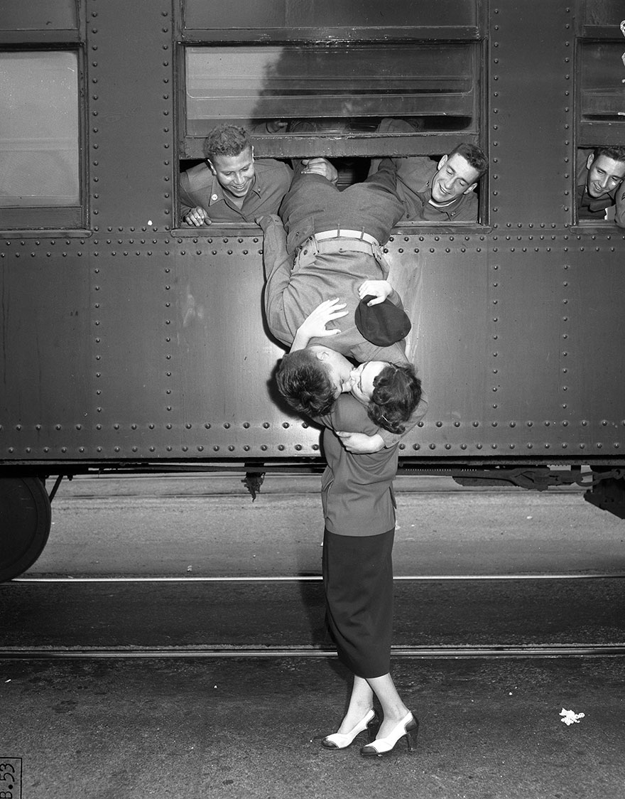 16 fotos hist ricas mostrando el amor en tiempos de guerra for Best love pic in the world