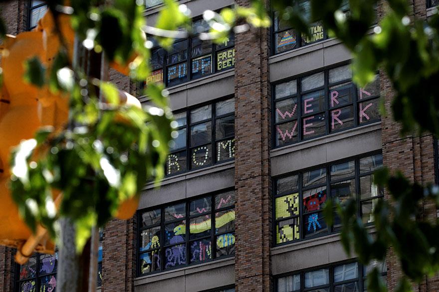 guerra-postits-edificios-oficinas-nueva-york (6)