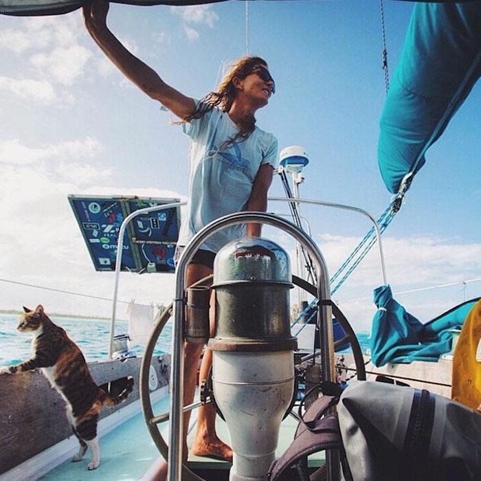 navegar-mundo-barco-gato-amelia-liz-clark (5)