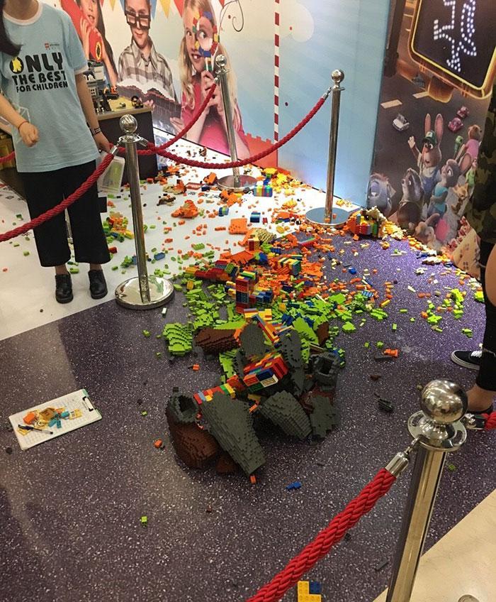 escultura-lego-zootropolis-destruida-china (3)