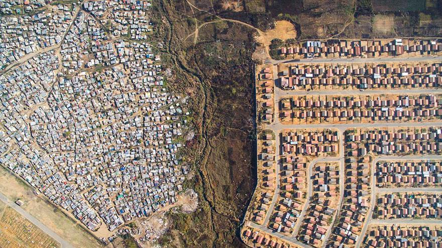 fotografia-dron-escenas-desiguales-johnny-miller-sudafrica (1)