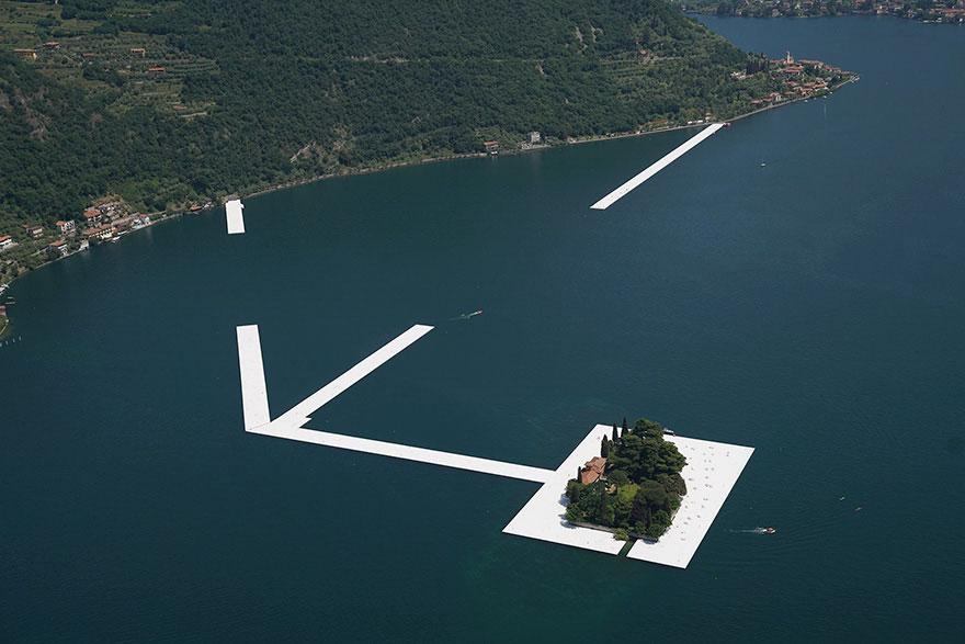 instalacion-artistica-embarcaderos-flotantes-christo-jeanne-claude-italia (2)