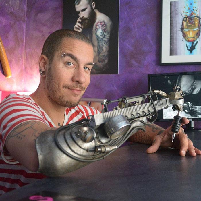 protesis-brazo-maquina-tatuadora-jc-sheitan-tenet (2)