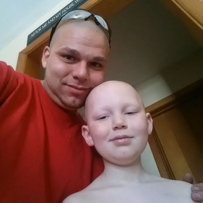 tatuaje-padre-cicatriz-cancer-hijo (3)