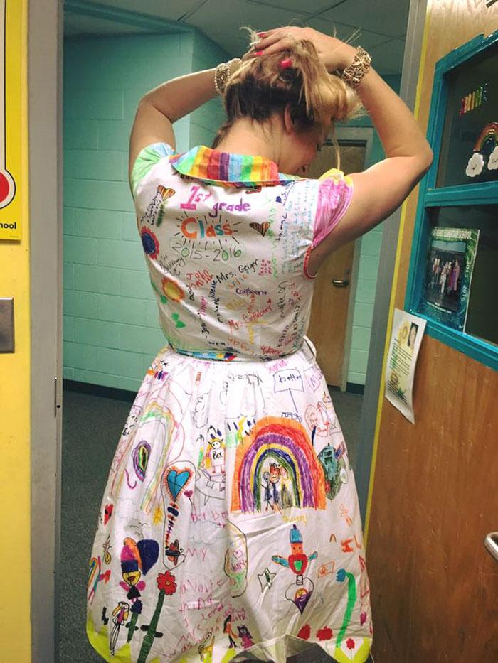 vestido-profesora-pintado-alumnos-chris-castlebury (3)