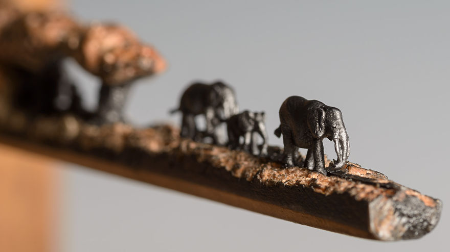 familia-elefantes-tallada-lapicero-cindy-chinn (2)