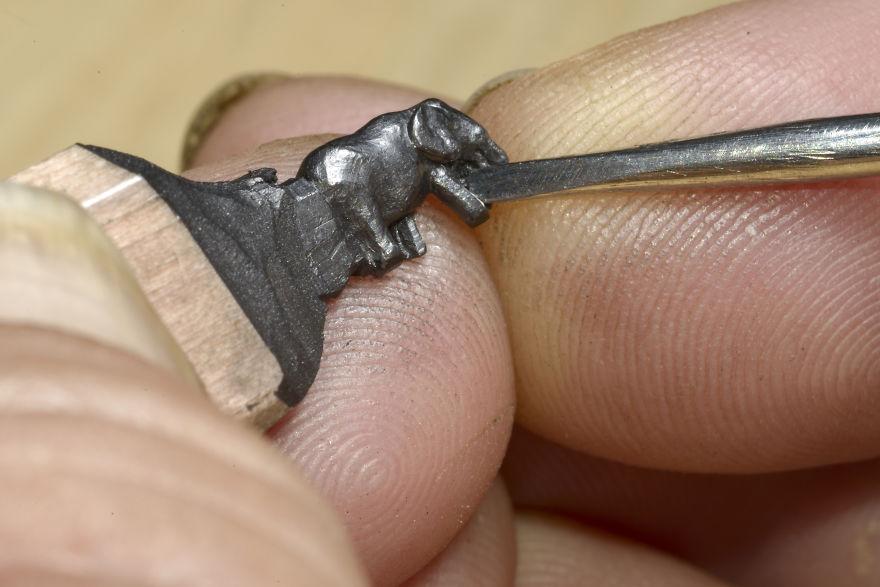 familia-elefantes-tallada-lapicero-cindy-chinn (4)