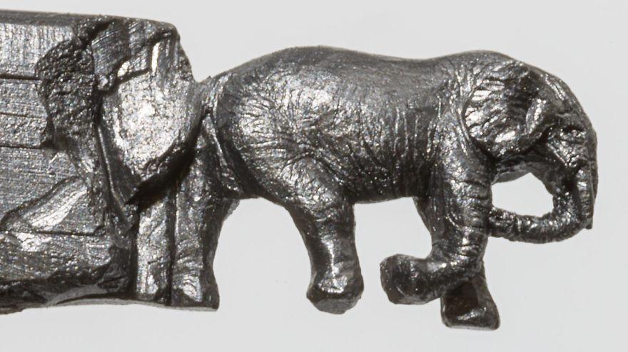 familia-elefantes-tallada-lapicero-cindy-chinn (9)