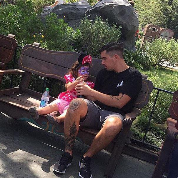 padres-tios-buenos-disneylandia-instagram (14)