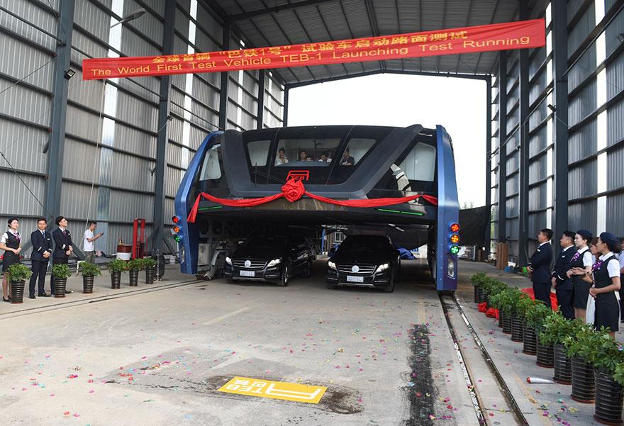 autobus-elevado-china-2 (3)