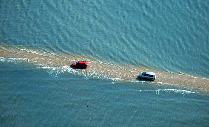 Esta carretera en Francia desaparece bajo el agua 2 veces al día