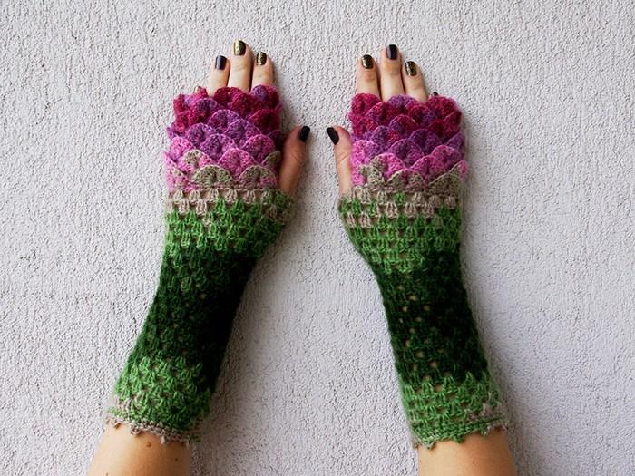 Estos guantes de dragón con escamas de ganchillo te protegerán en ...