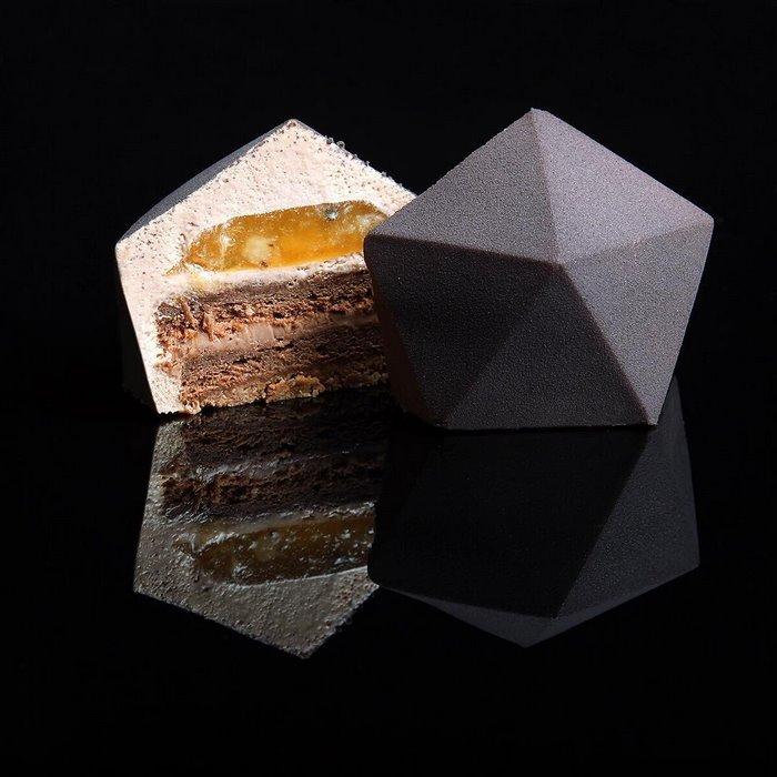 postres-geometricos-diseno-arquitectonico-dinara-kasko (10)