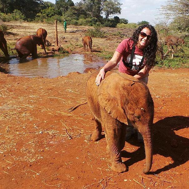 amistad-animales-huerfanos-avestruz-elefante (5)