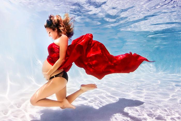 Fotógrafo Transforma A Mujeres Embarazadas En Sirenas Bajo El Agua