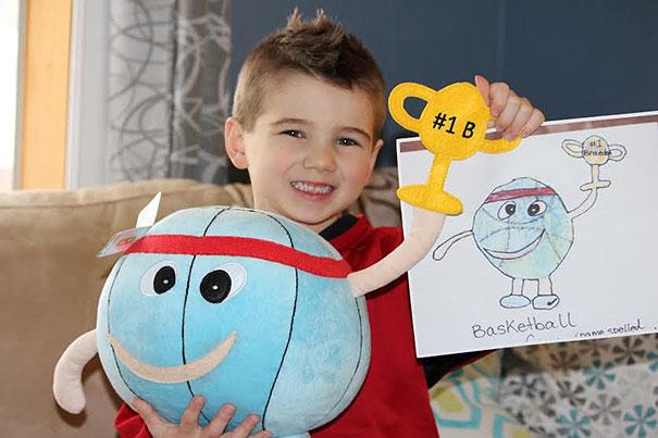 Esta juguetería convierte los dibujos de los niños en peluches de verdad