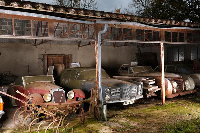 60 Automóviles Clásicos Encontrados Tras 50 Años Abandonados En Una Granja Francesa Valen Al Menos 12£ Millones