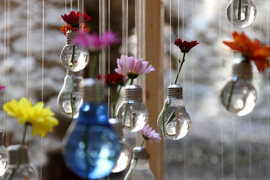 20 Ideas geniales para reciclar viejas bombillas